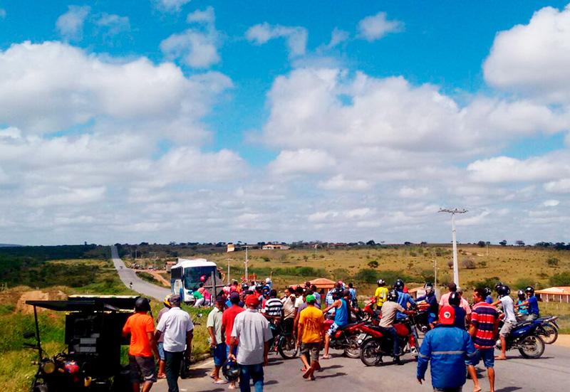 manifestação rodovia SE 179 poço Redondo Sergipe