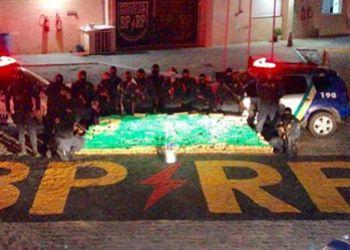 Polícia Militar apreende na Grande Aracaju caminhão carregado com meia tonelada de maconha