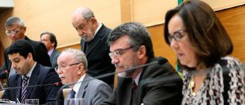 Por 17 votos a 3, mesa diretora da Assembleia Legislativa de Sergipe � reeleita