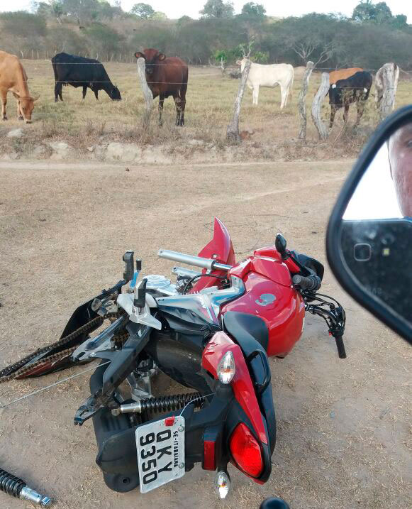motocicleta depenada povoado Caraíbas Itabaiana Sergipe
