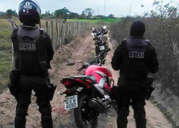 Getam localiza motocicleta com restri��o de roubo na zona rural de Itabaiana