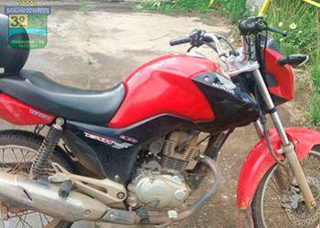 PM recupera motocicleta e aparelho celular encontrados às margens da BR-235