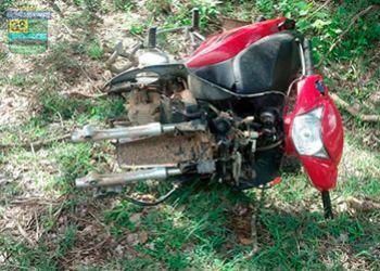 PM localiza motocicleta depenada na zona rural de Itabaiana
