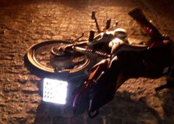 Perseguido por autom�vel condutor de motocicleta abandona ve�culo em via p�blica