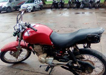 Infrator � detido pela PM quando utilizava motocicleta roubada para promover baderna na cidade de Itabaiana