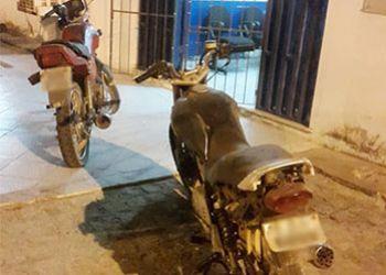 Bandidos abandonam motocicletas na zona rural de Macambira após perseguição policial