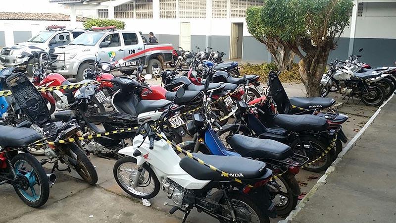 motocicletas apreendidas Trezena da Bagunça Itabaiana Sergipe