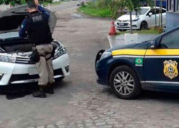 Motorista é detido na BR-235 por dirigir perigosamente sob efeito de bebida alcoólica