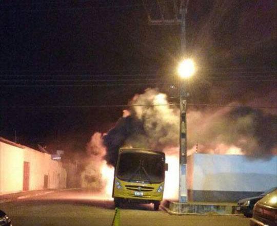 ônibus incendiado Itabaiana Sergipe