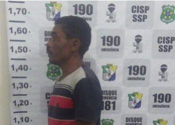 Suspeito de matar o irm�o a golpe de faca � preso pela Pol�cia Civil de Pedra Mole
