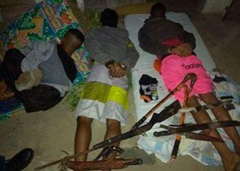Jovens infratores são presos pela PM suspeitos de roubarem chácara na zona rural de Malhador