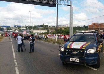 PRF identifica cinco pontos de interdi��es nas rodovias federais em Sergipe