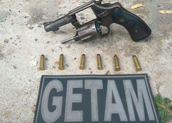 PM flagra homem com arma de fogo na zona rural de Malhador