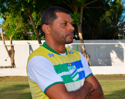 Associação Olímpica de Itabaiana técnico Nadélio Rocha