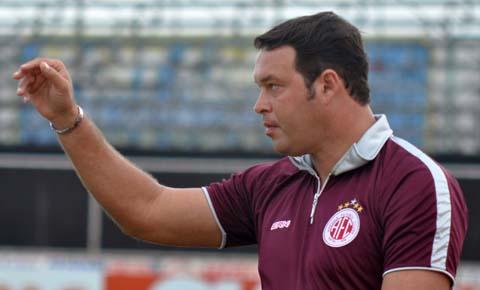 Técnico Roberto Fernandes Confiança Sergipe