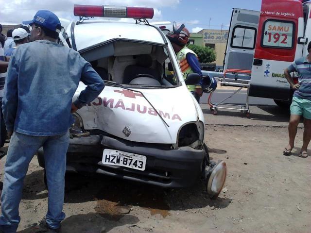 ambulancia_ribeiropolis_acidente_640