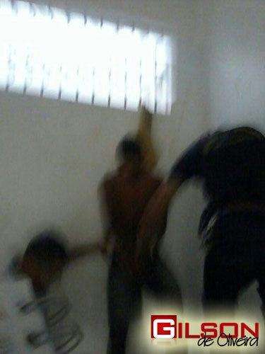 menor_suicidio_delegacia_g