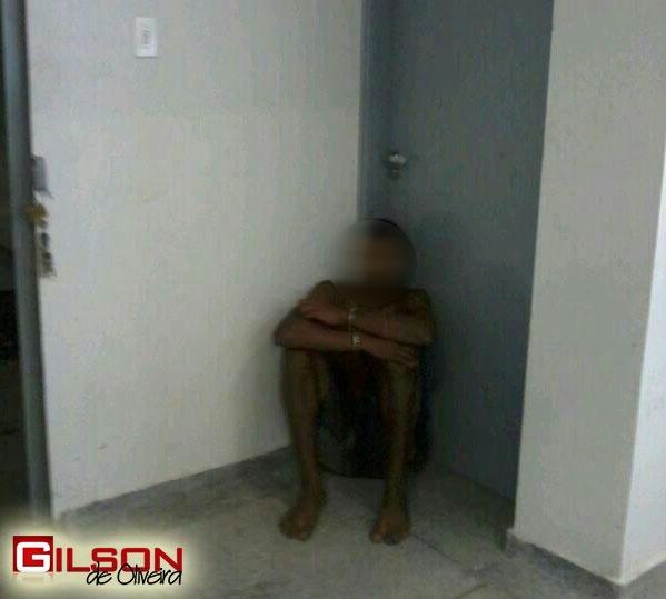 menor_suicidio_delegacia_g2